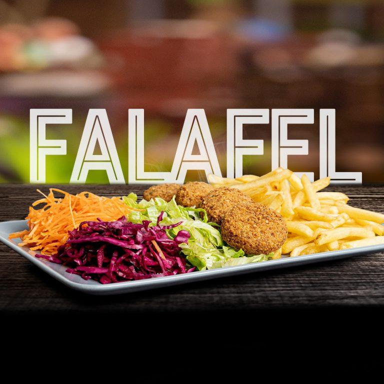 Falafel com acompanhamento de salada